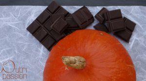 Kürbis und eine Tafel Zartbitterschokolade. Haben beide einen hohen glykämischen Index, aber eine sehr unterschiedliche glykämische Last.