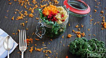 Frischer Grünkohlsalat mit Quinoa