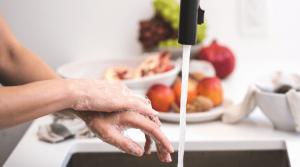 Erkaeltungszeit-haende-waschen